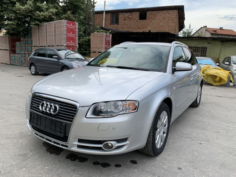 Audi A4 - image 10