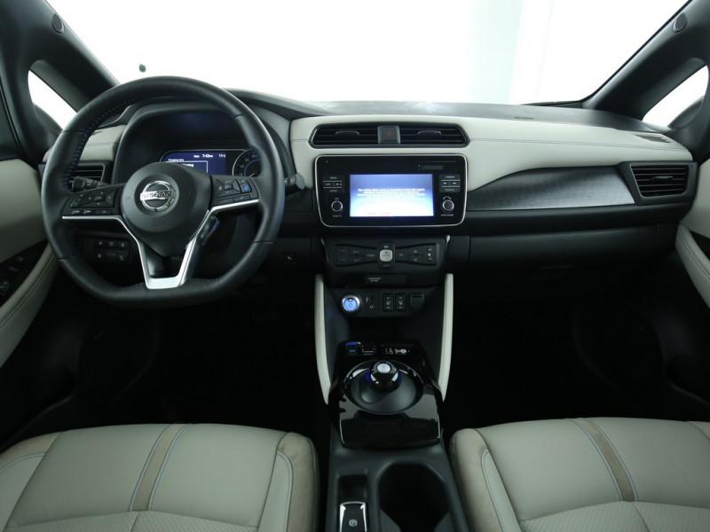 Nissan Leaf - image 6