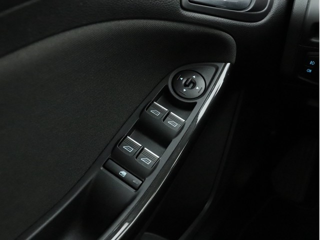 Ford Focus - image 11