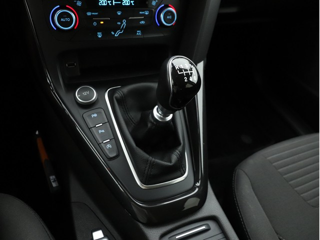 Ford Focus - image 13