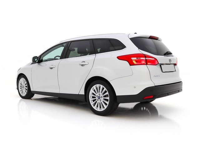 Ford Focus - image 2