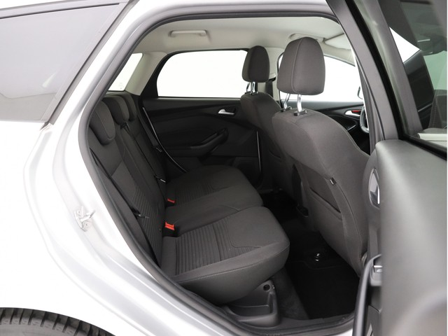 Ford Focus - image 7