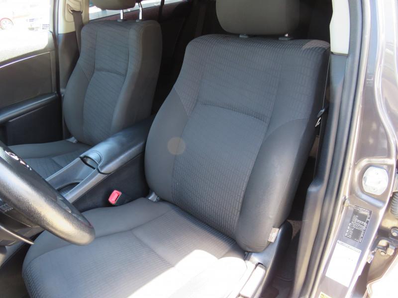 Toyota Avensis - image 10