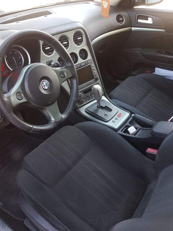 Alfa Romeo 159 - image 10