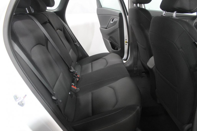 Hyundai i30 - image 8