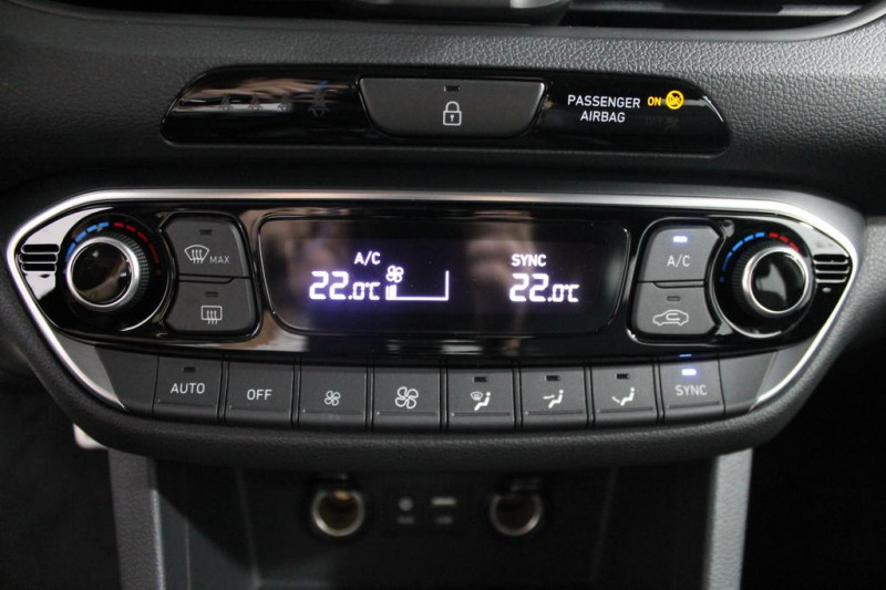 Hyundai i30 - image 11