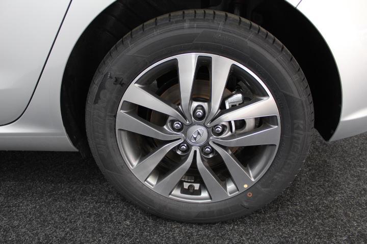 Hyundai i30 - image 6