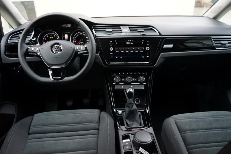 VW Touran - image 6