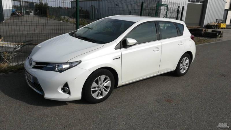 Toyota Auris - image 1