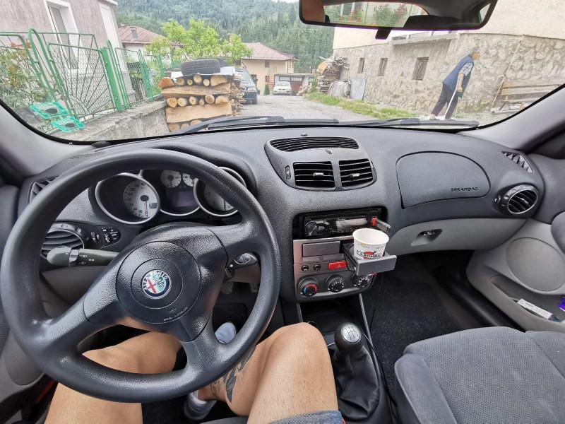 Alfa Romeo 147 - image 5