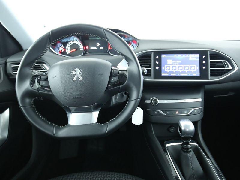 Peugeot 308 SW - image 5