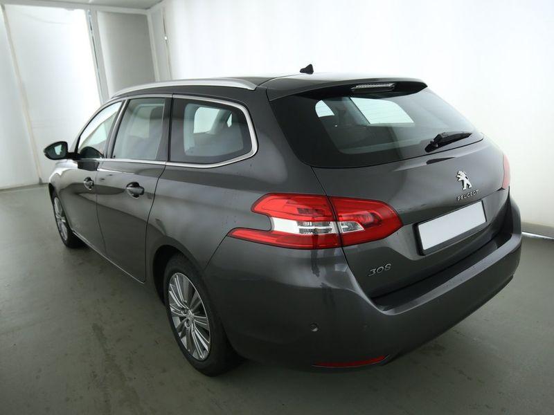 Peugeot 308 SW - image 2