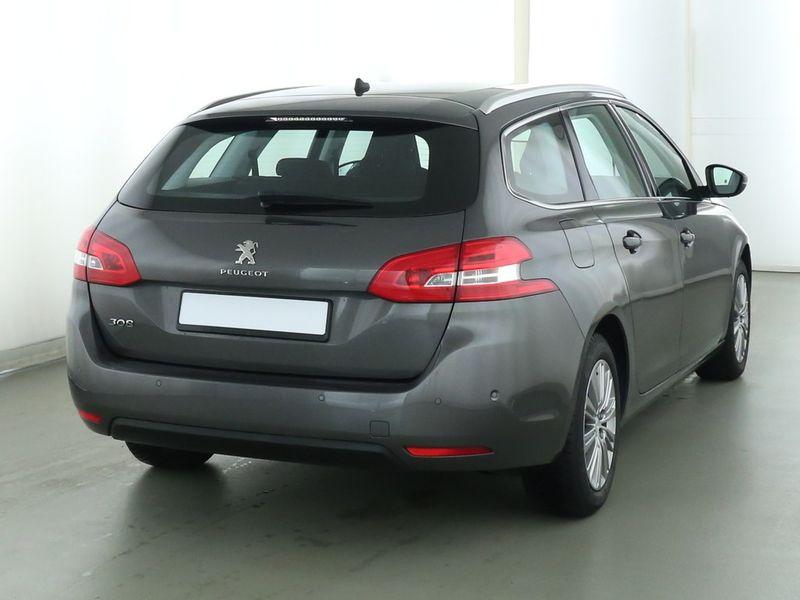 Peugeot 308 SW - image 3
