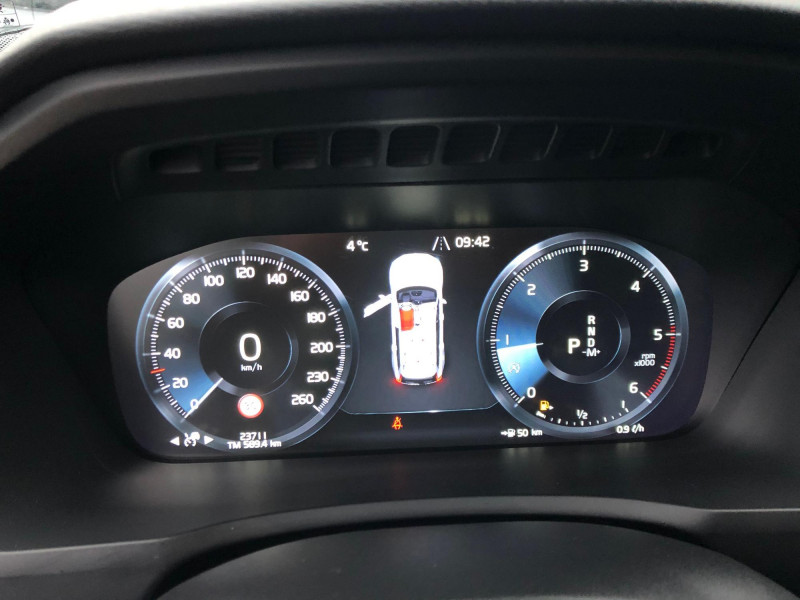 Volvo XC 90 - image 9