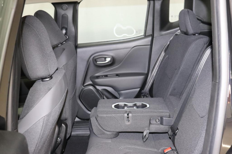 Jeep Renegade - image 10