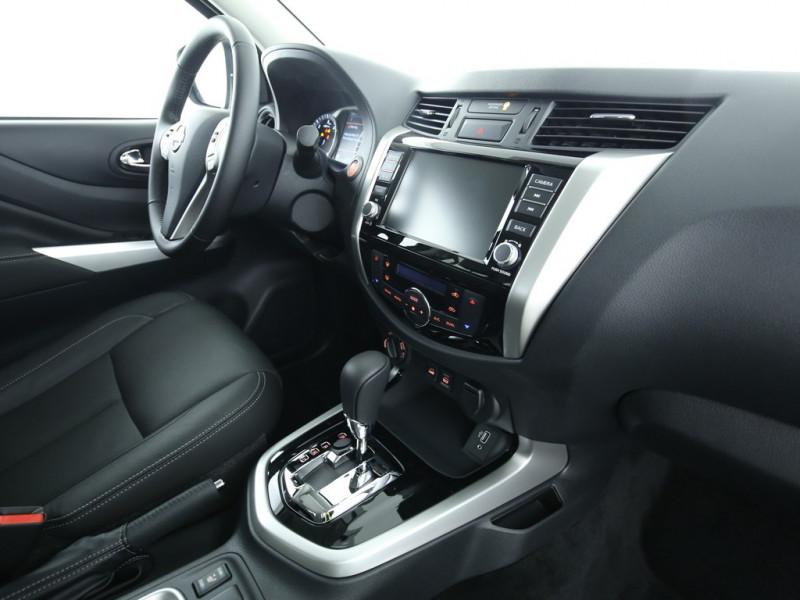 Nissan Navara - image 6