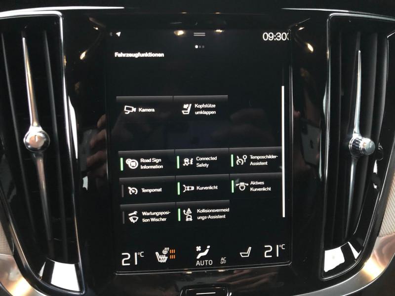 Volvo S60 - image 11