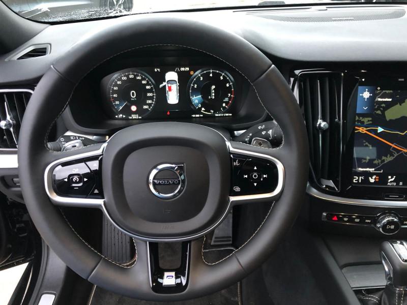 Volvo S60 - image 8