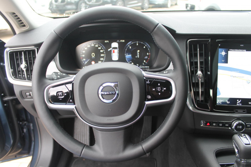 Volvo S90 - image 9