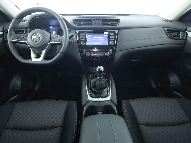 Nissan X-Trail - image 6
