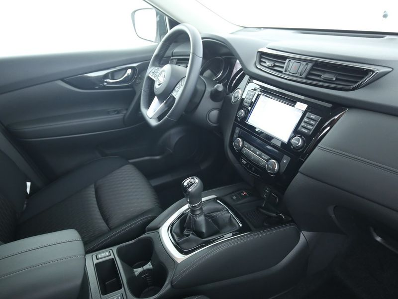 Nissan X-Trail - image 7