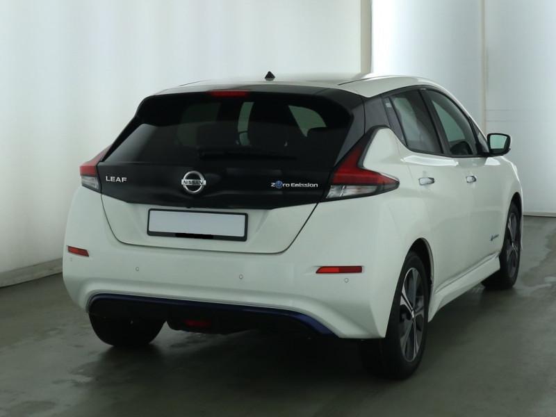 Nissan Leaf - image 4