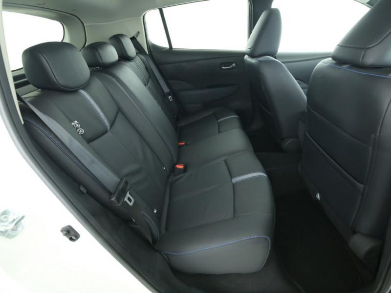 Nissan Leaf - image 8