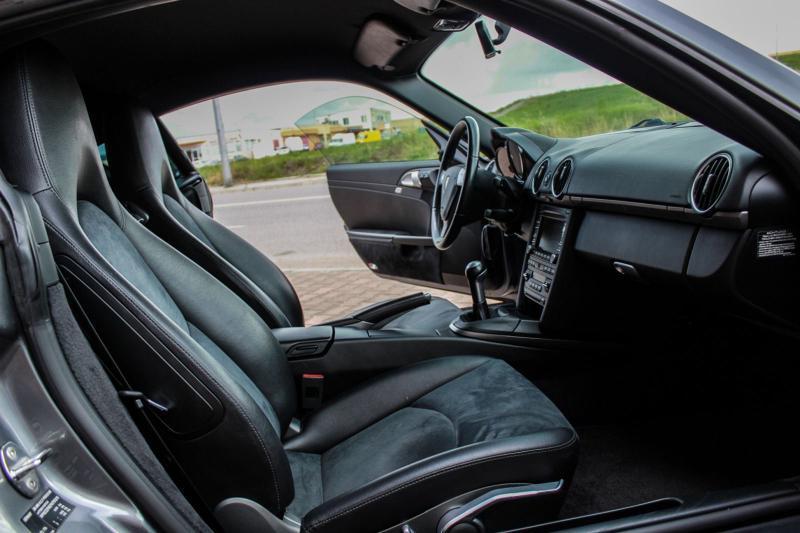 Porsche Cayman - image 9