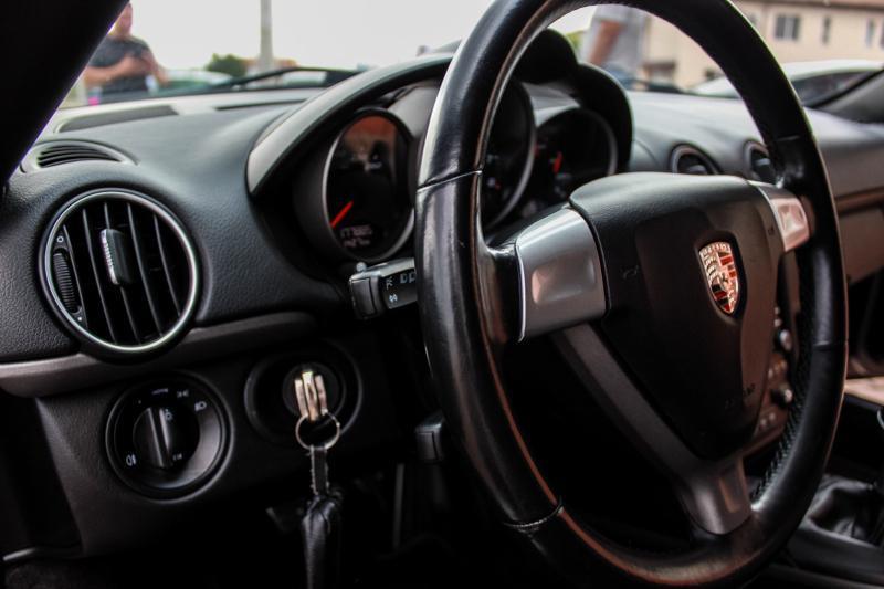 Porsche Cayman - image 10