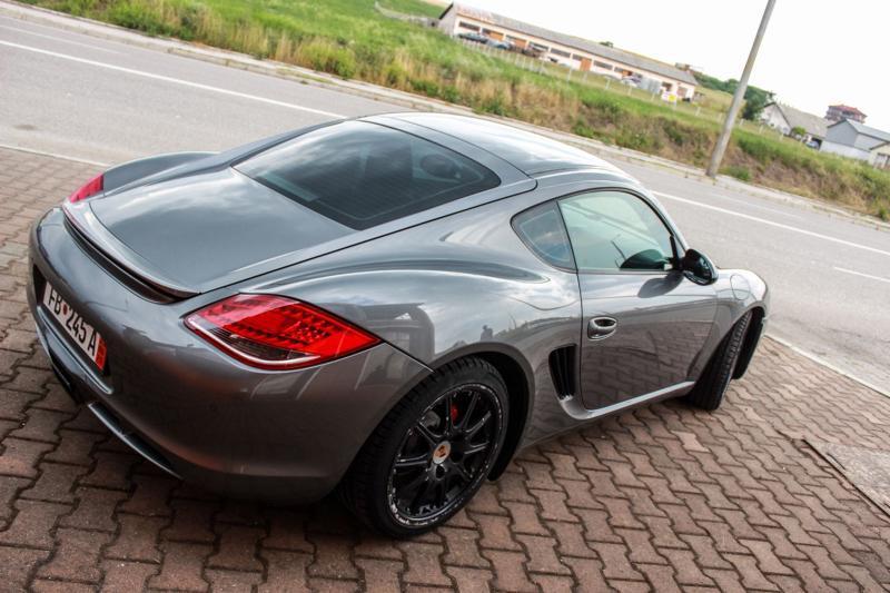 Porsche Cayman - image 2