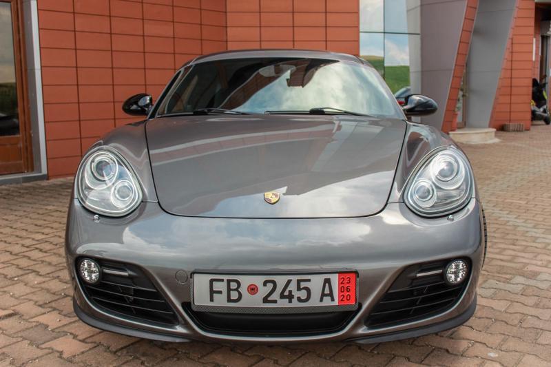 Porsche Cayman - image 3