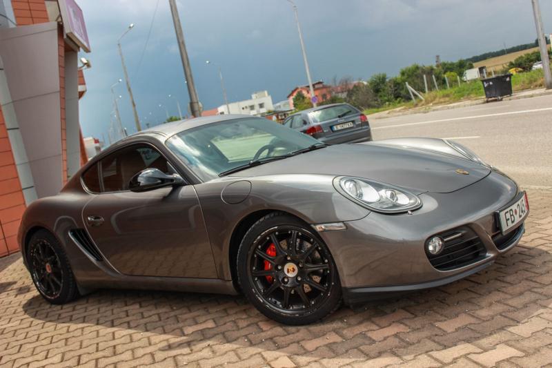 Porsche Cayman - image 4