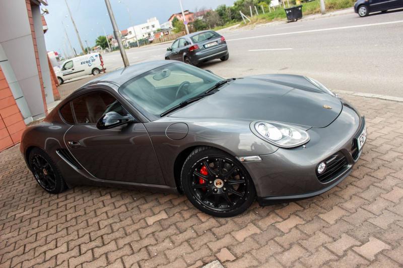 Porsche Cayman - image 5