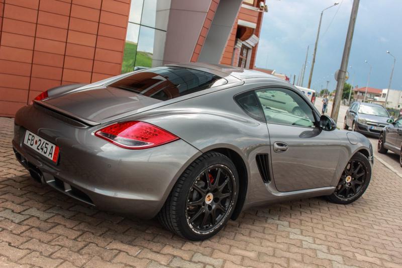 Porsche Cayman - image 6