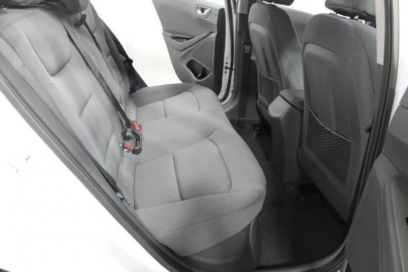 Hyundai Ioniq - image 8