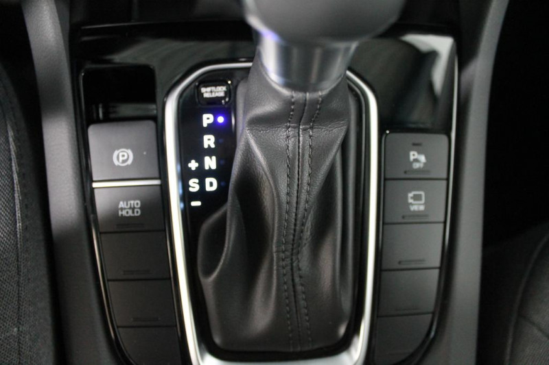 Hyundai Ioniq - image 13