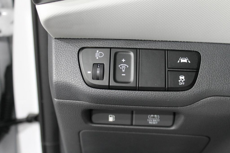 Hyundai Ioniq - image 14