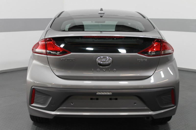 Hyundai Ioniq - image 4