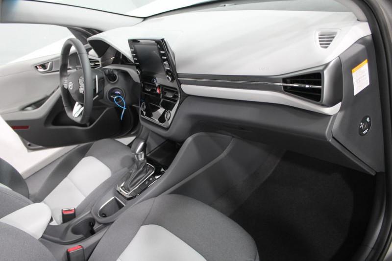 Hyundai Ioniq - image 7