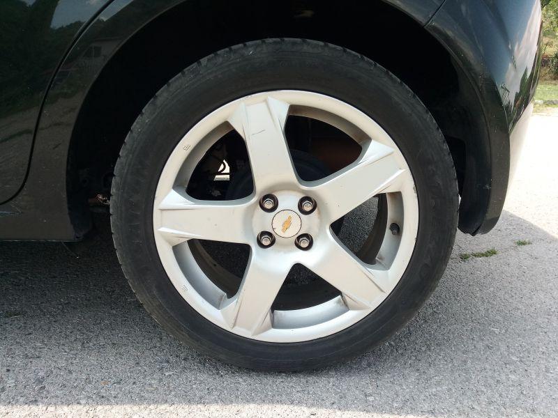 Chevrolet Aveo - image 14