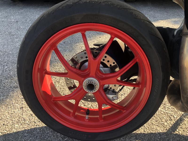 11- Ducati 848