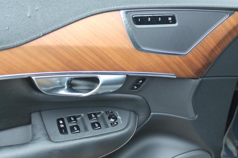 Volvo XC 90 - image 11
