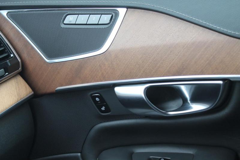 Volvo XC 90 - image 12