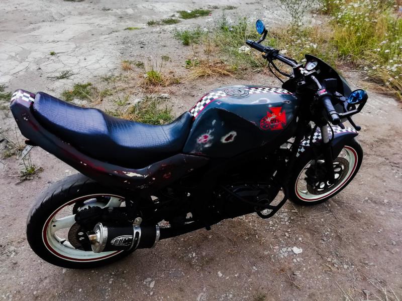 10- Suzuki Gs