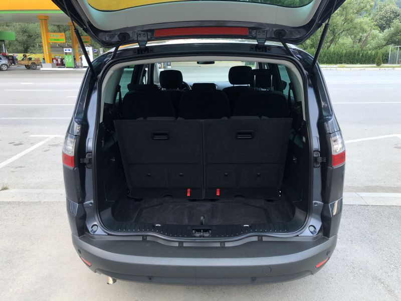 Ford S-Max - image 5