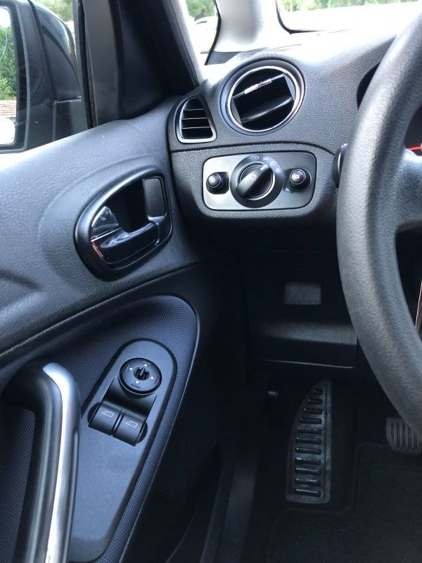 Ford S-Max - image 12