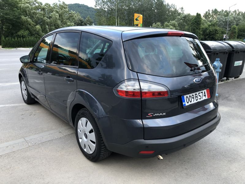 Ford S-Max - image 4