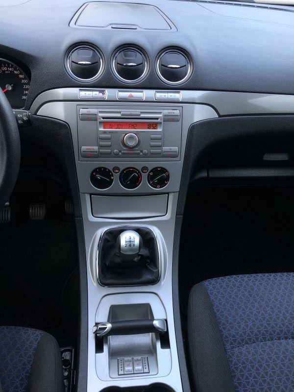 Ford S-Max - image 11