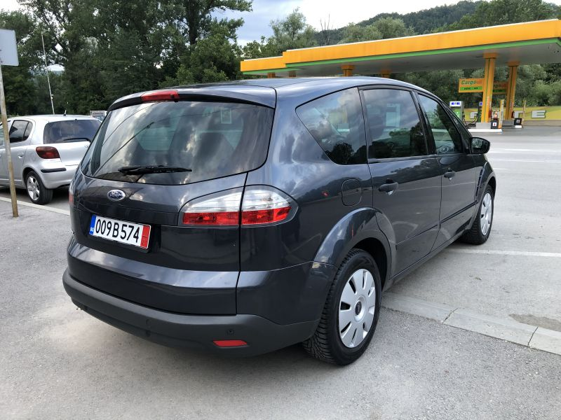 Ford S-Max - image 3
