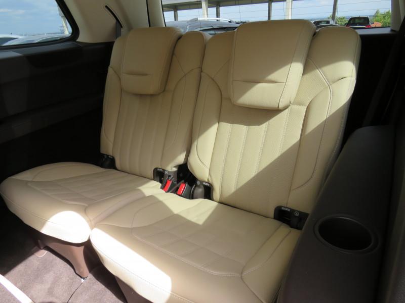 Mercedes-Benz GLS - image 13